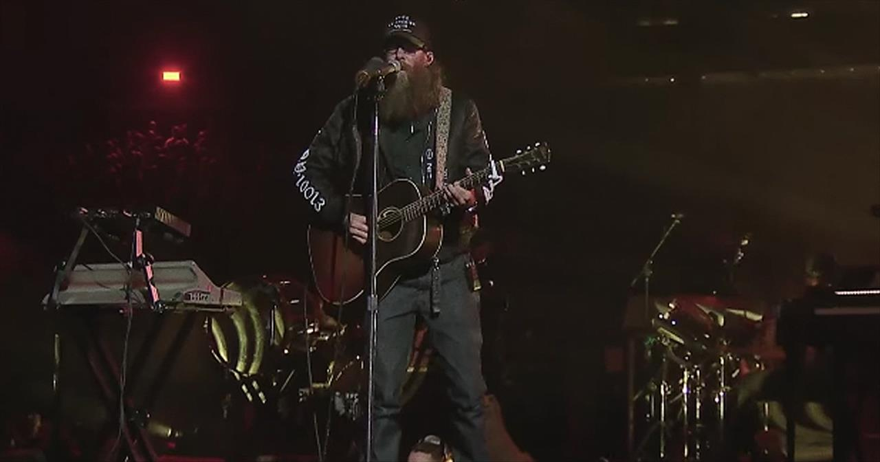 'Hundred Miles' Passion Live Performance Featuring Crowder