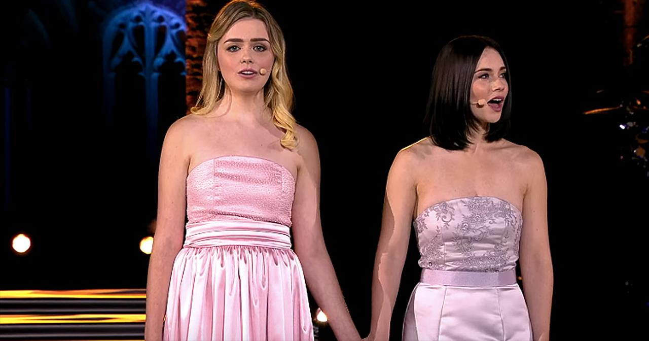 Celtic Woman Performs 'Over The Rainbow'