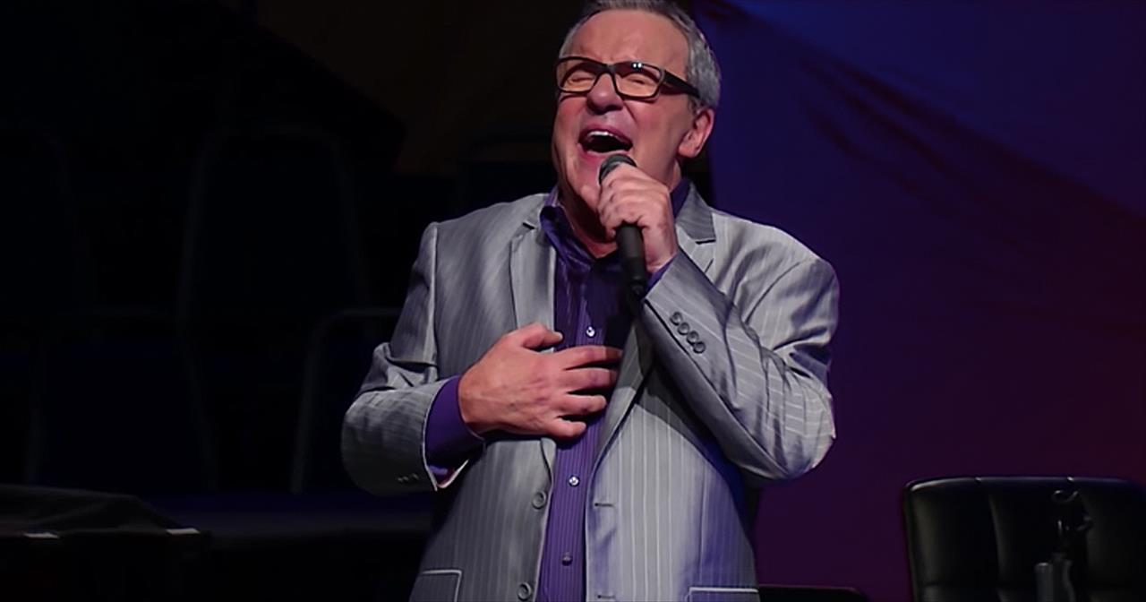 'I Thirst' Mark Lowry Sings Gospel Song Written By His Late Mother