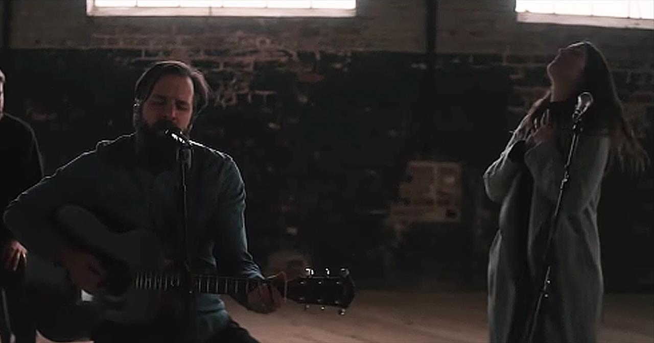 Acoustic Rendition Of 'Raise A Hallelujah' From Jonathan And Melissa Helser