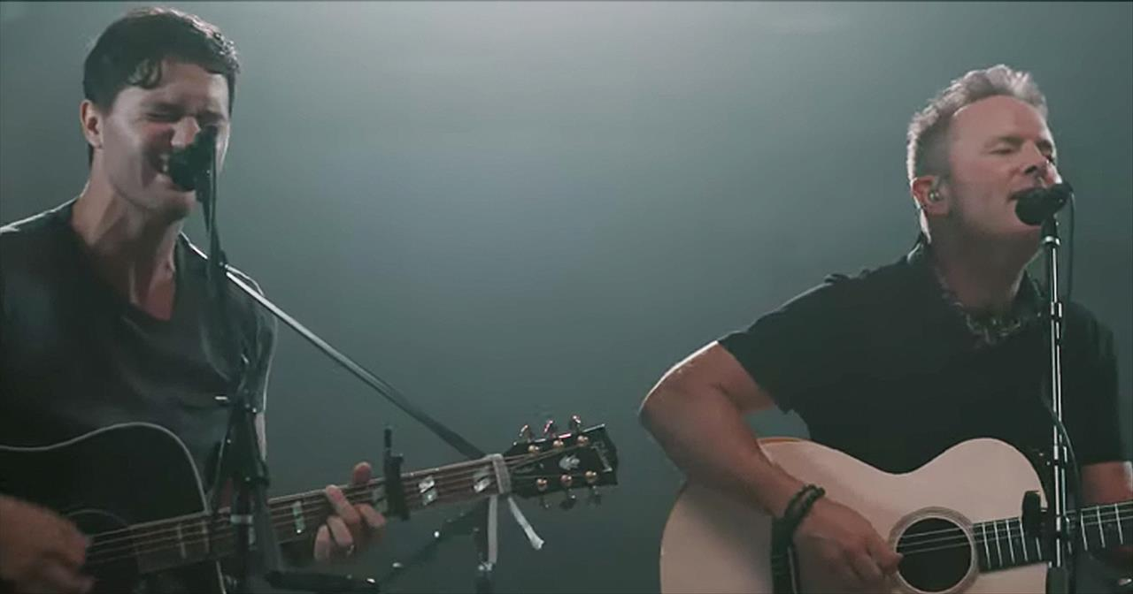 'How Sweet It Is' Chris Tomlin Acoustic Performance With Pat Barrett