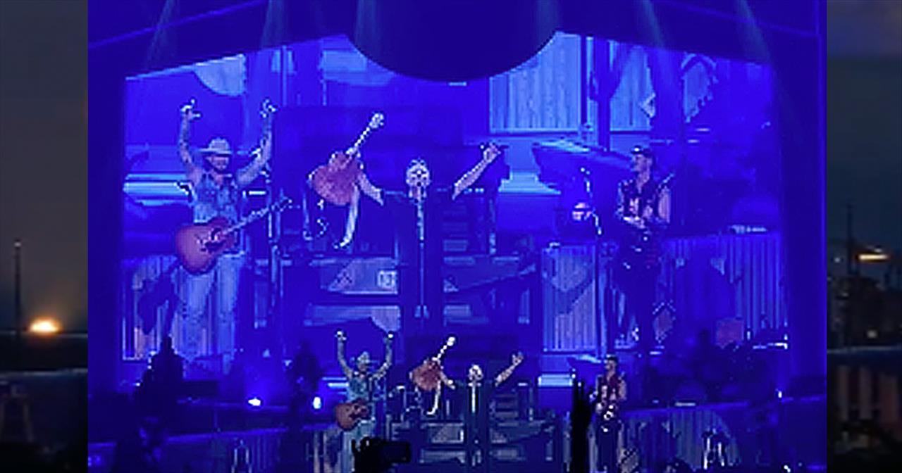 Florida Georgia Line Bring Chris Tomlin On Stage For Worship During Concert