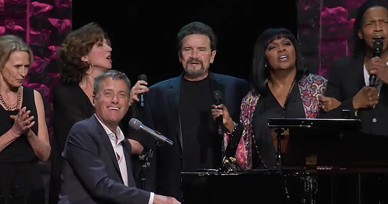 Michael W. Smith Performs 'Friends' With Star-Studded Real Life Friends