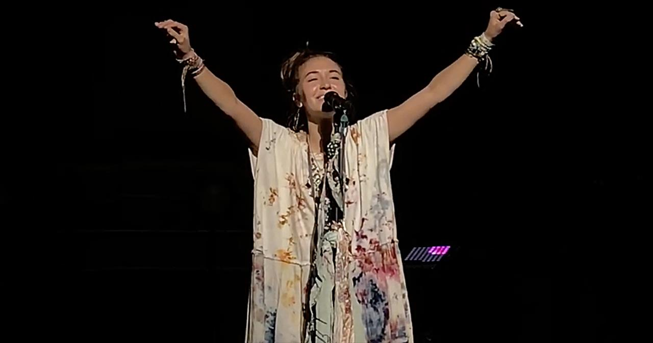Lauren Daigle Covers 'Something Beautiful' From Bill Gaither