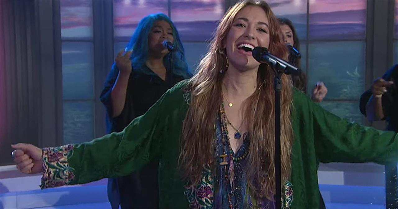 Lauren Daigle Live Performance Of 'Your Wings' On The Today Show
