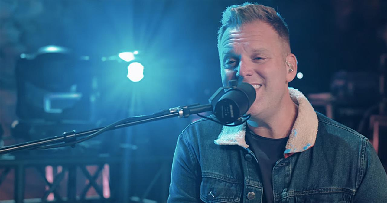 'The God Who Stays' Live Performance From Matthew West From The Caverns