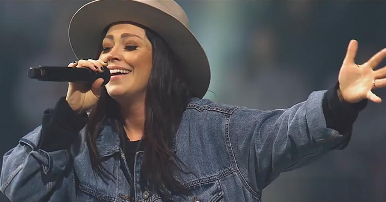 'Way Maker' Passion Featuring Kari Jobe, Cody Carnes And Kristian Stanfill