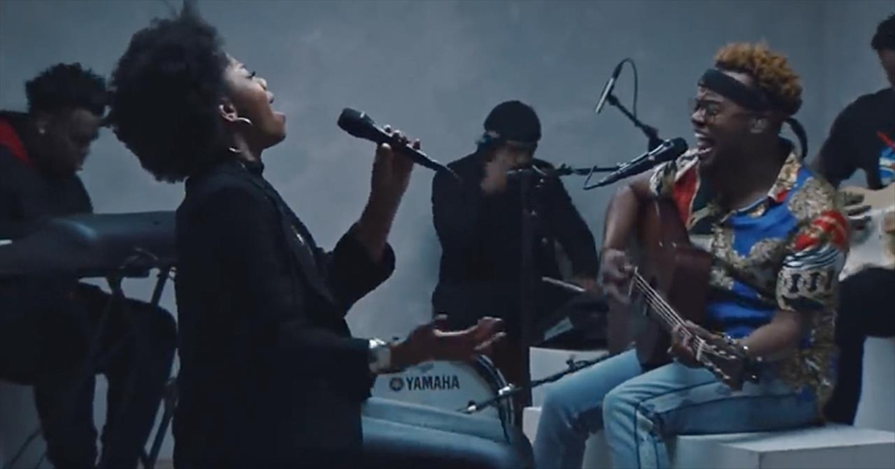 'Good And Loved' Travis Greene Live Performance