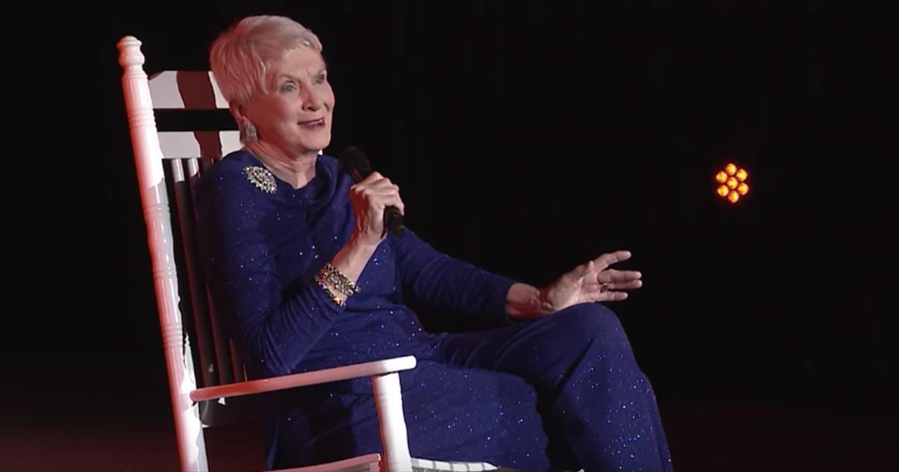 Jeanne Robertson Shares The 1 Reason Why Cab Drivers Don't Transport Pigs