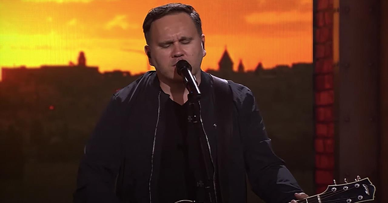 '10,000 Reasons' Live Performance From Matt Redman