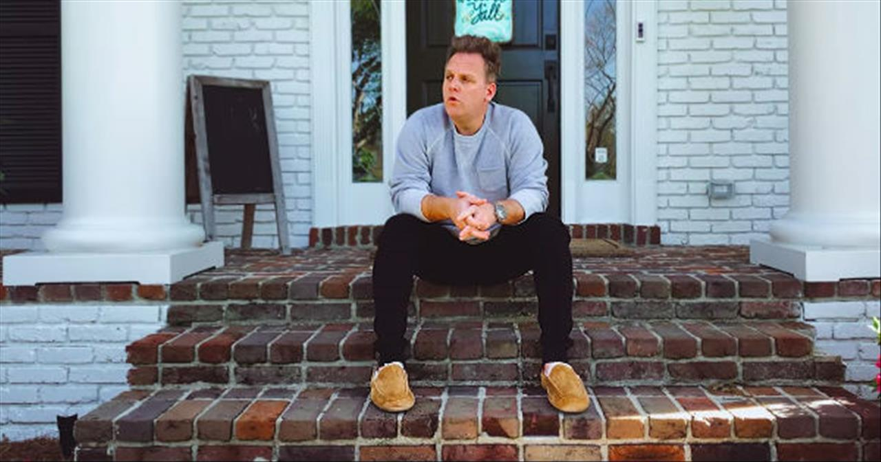 Matthew West Performs Hilarious 'Quarantine Life' Original Song