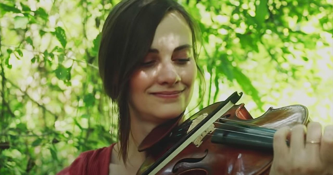 'Jesus Paid It All' Violin Performance From Taryn Harbridge