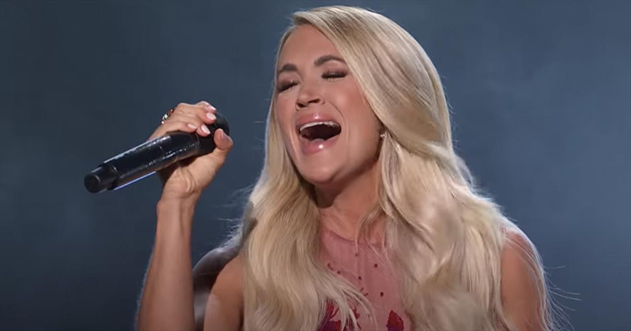 Carrie Underwood Sings Medley Of Hits From Patsy Cline, Dolly Parton And More
