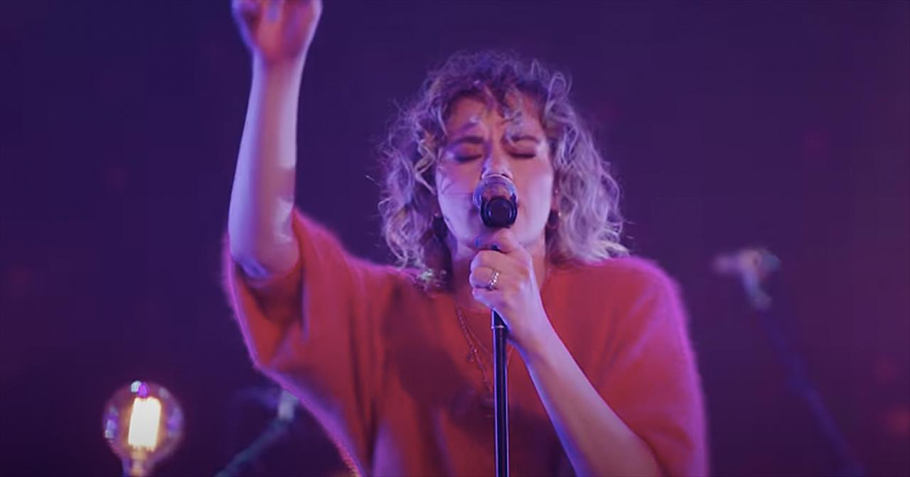 'Wonder' Live Performance From Hillsong UNITED