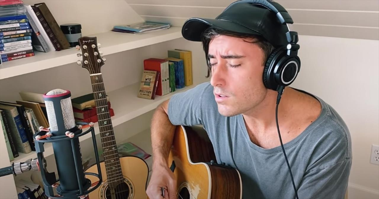 'How Deep The Father's Love' Phil Wickham Acoustic Performance