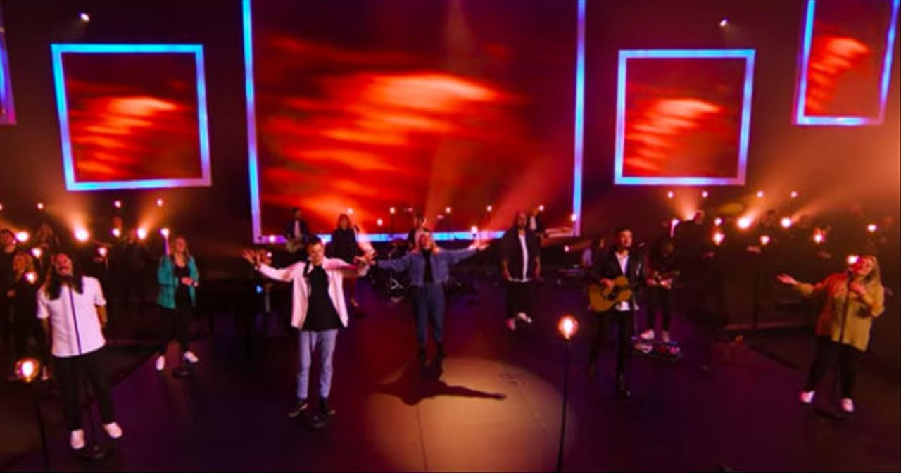 'Mighty To Save' Hillsong Worship Performance