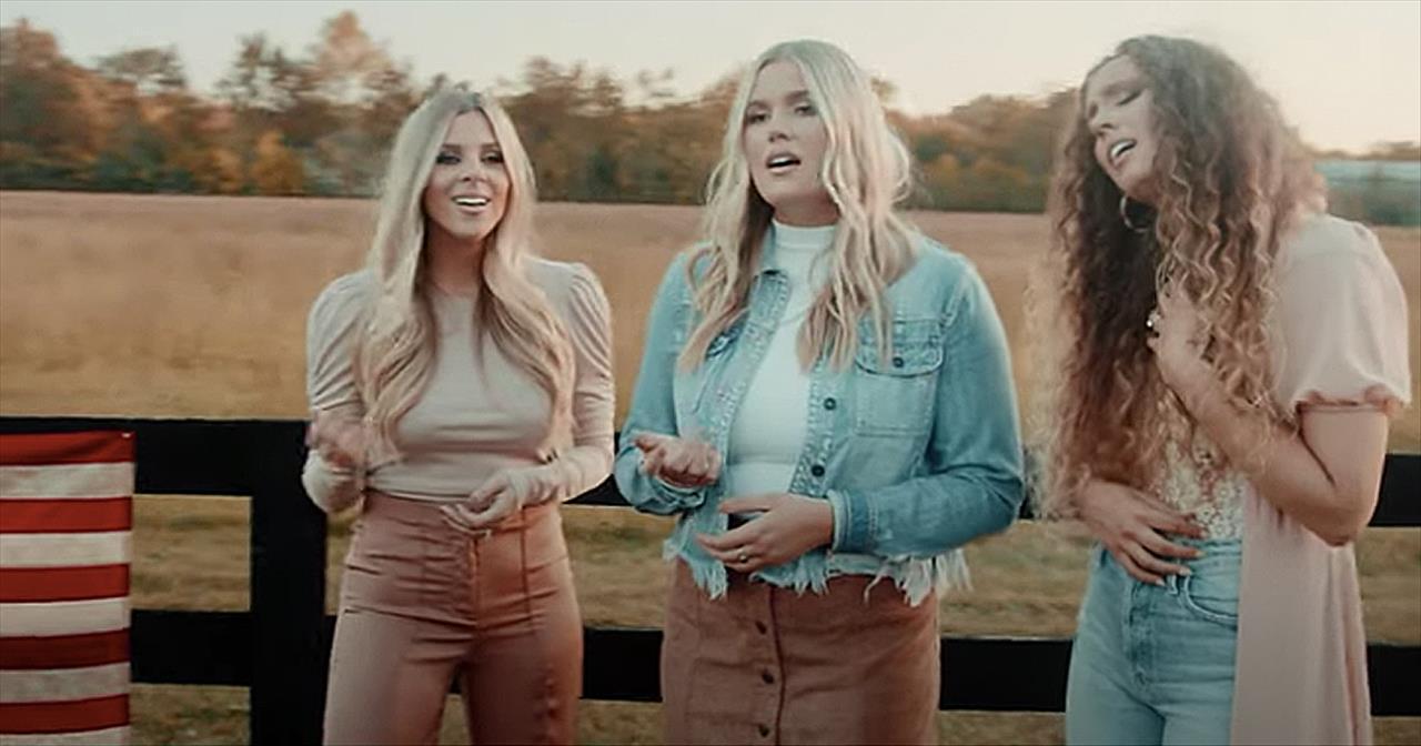 3 Women Sing Heartfelt Rendition Of 'God Bless America'