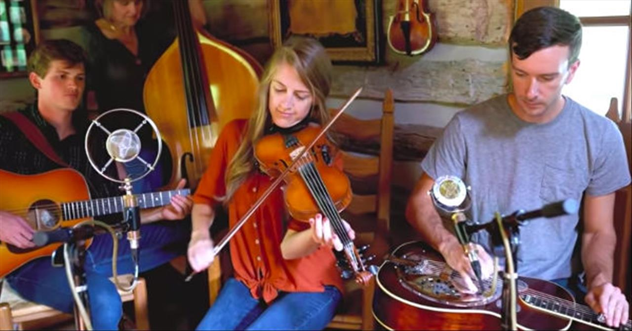 Bluegrass Family Band Performs 'Swallowtail Jig'