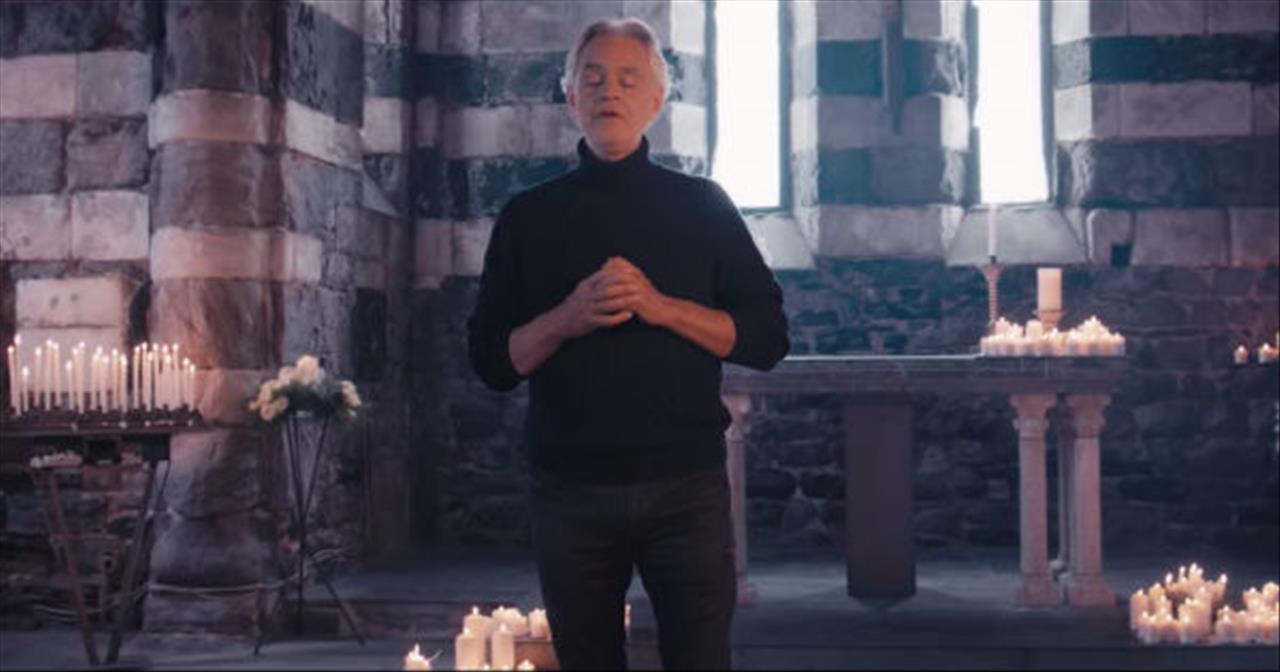 Andrea Bocelli Sings 'Hallelujah' From Leonard Cohen
