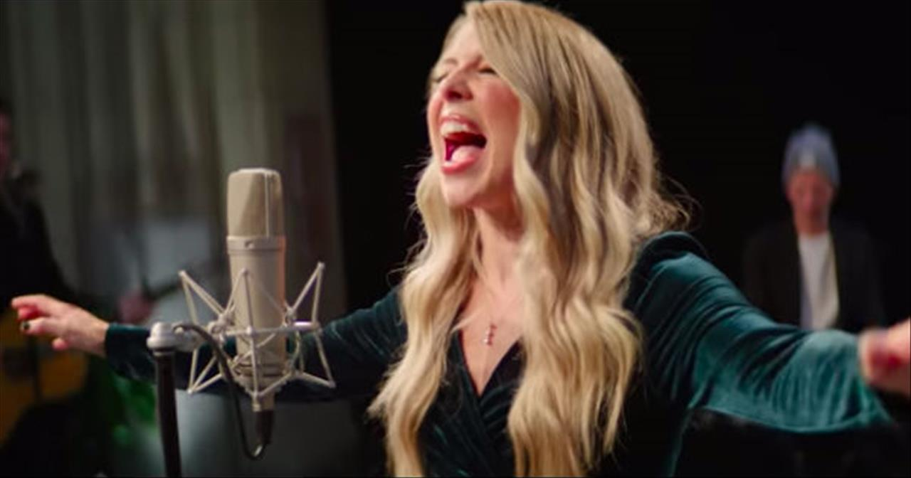 'O Come All Ye Faithful (His Name Shall Be)' Passion With Melodie Malone