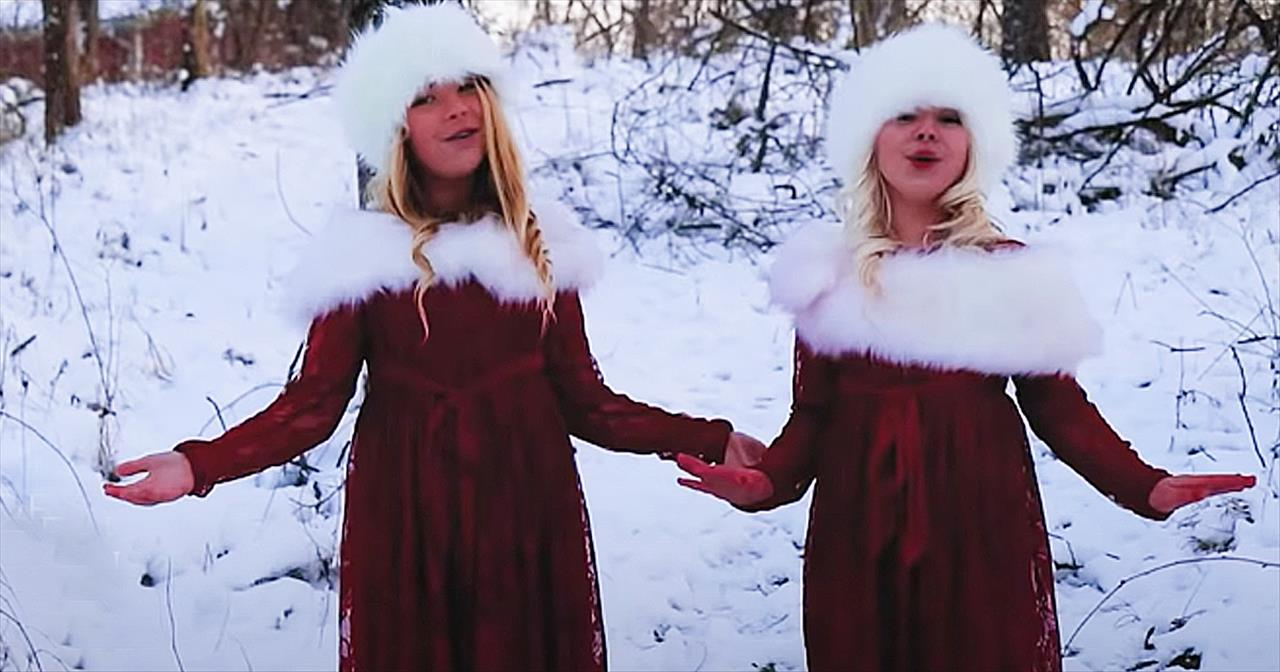 Adorable Sisters Sing 'Go Tell It On The Mountain'