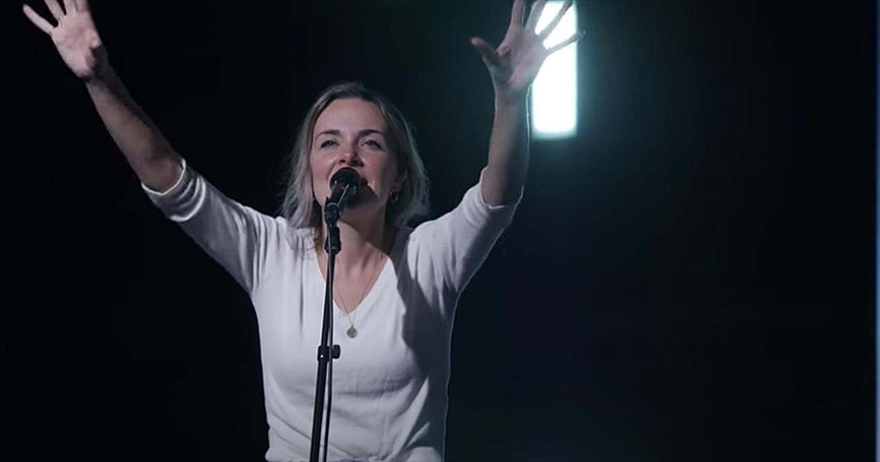 'Agnus Dei, Worthy is the Lamb' Bethel Music With Kristene DiMarco