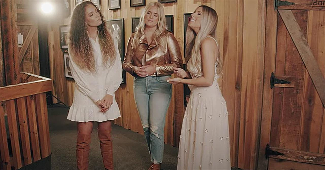 3 Women Perform Medley Of Carrie Underwood Faith-Based Songs