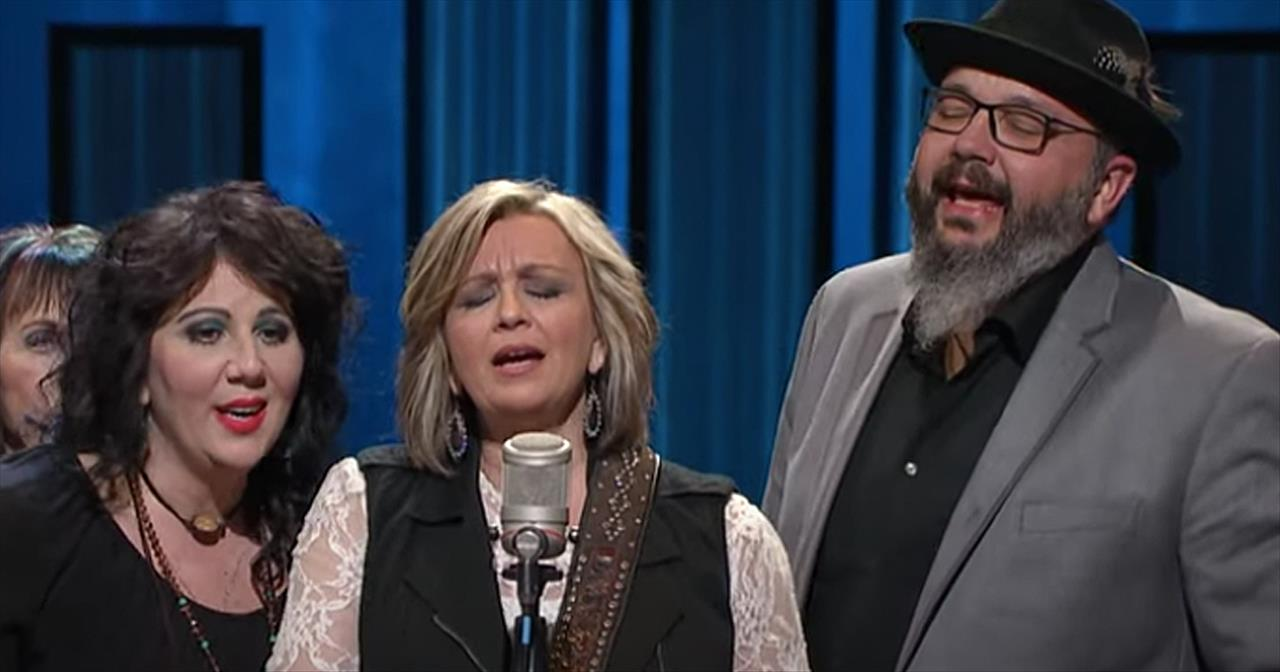 'It Is Well With My Soul' The Isaacs Perform At The Grand Ole Opry