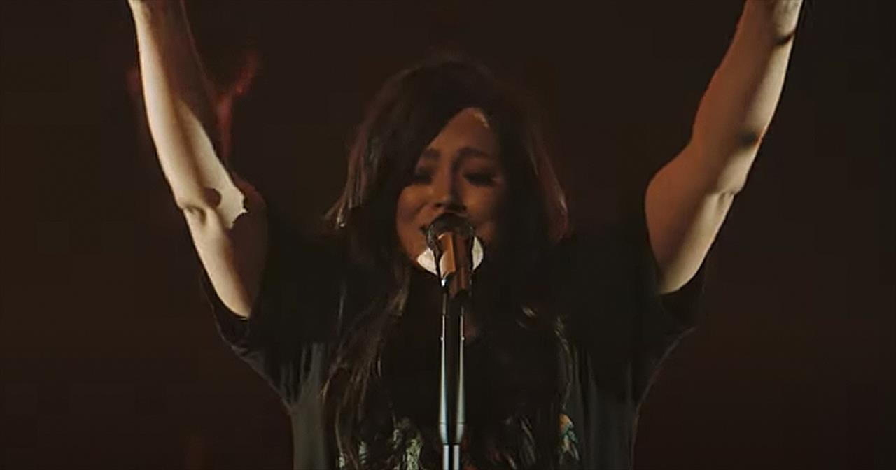'Forever (We Sing Hallelujah)' Kari Jobe And Cody Carnes Live Performance