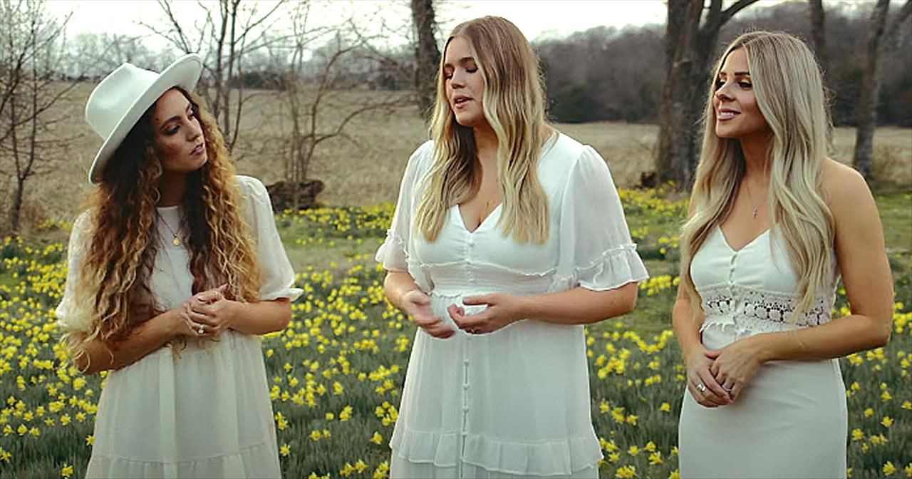 Trio Of Women Sing 'Because He Lives / Redeemer' Medley