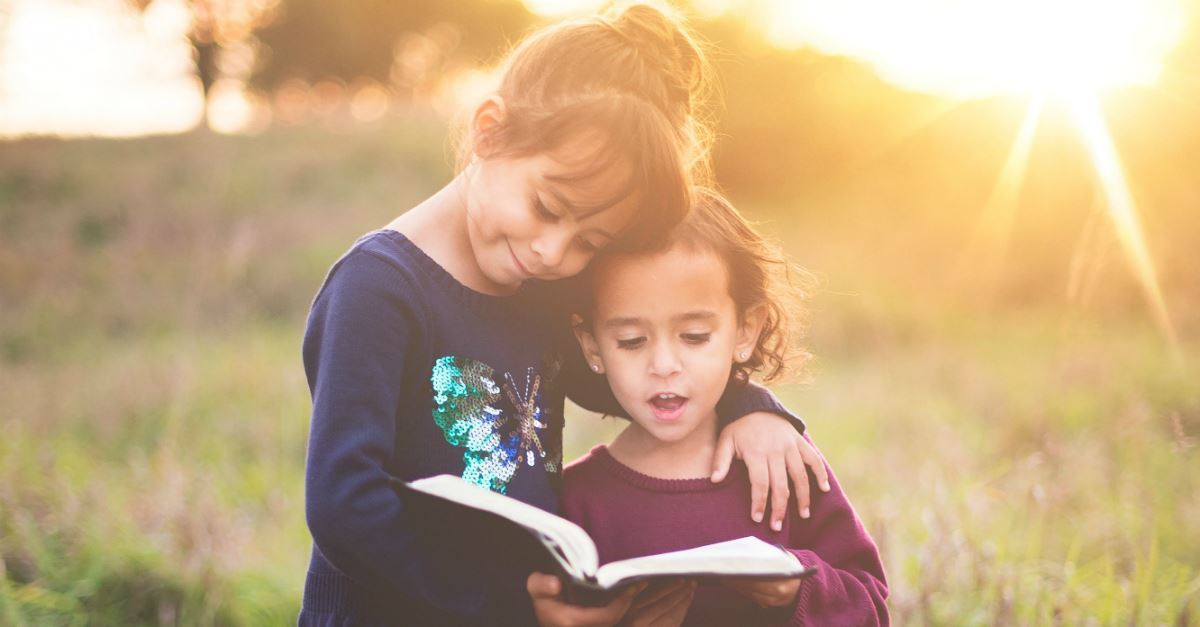 10 Powerful Psalms to Regularly Read with Your Kids