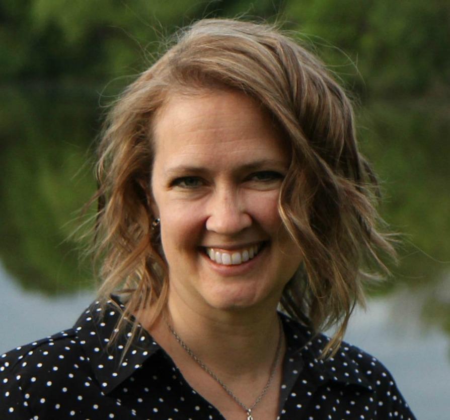 headshot of author Jolene Underwood