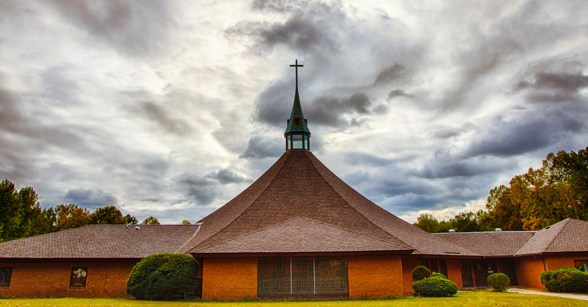 Some Virginia Churches Begin to Reopen but at 50 Percent Capacity