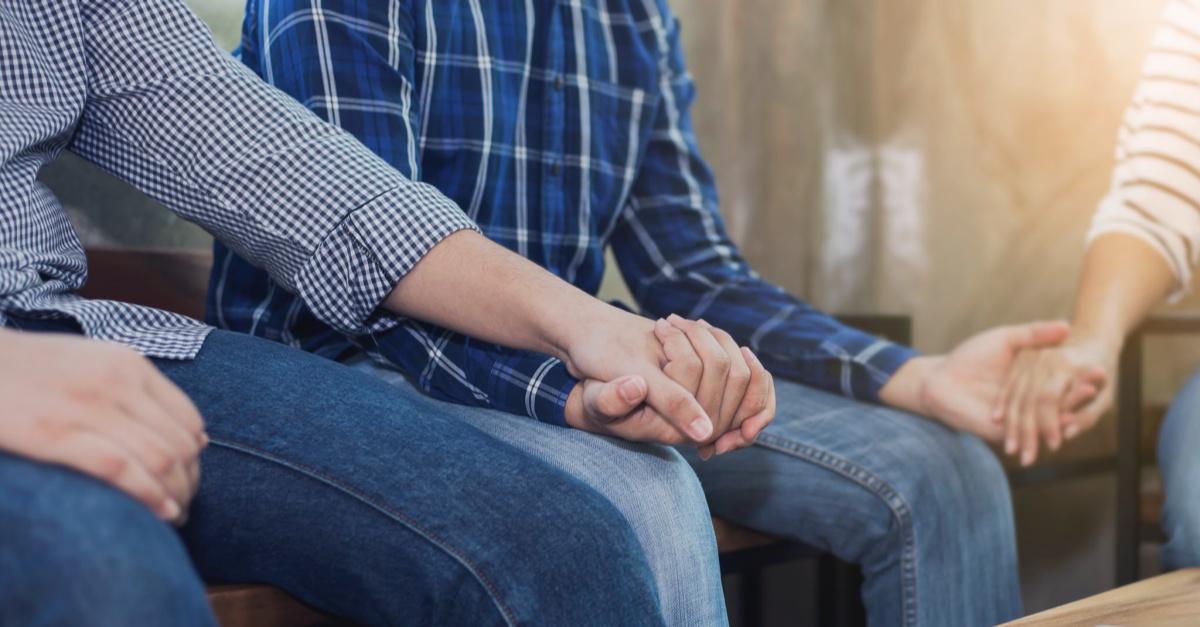 People praying, Texas mayor says women can't praying in public