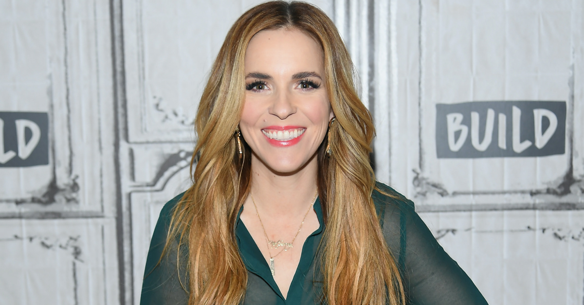 Rachel Hollis, Hollis announces divorce