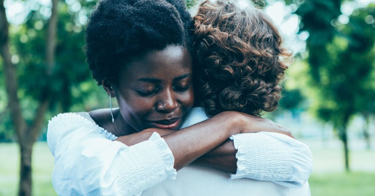 7 Ways to Be a Friend Who Prays on the Spot