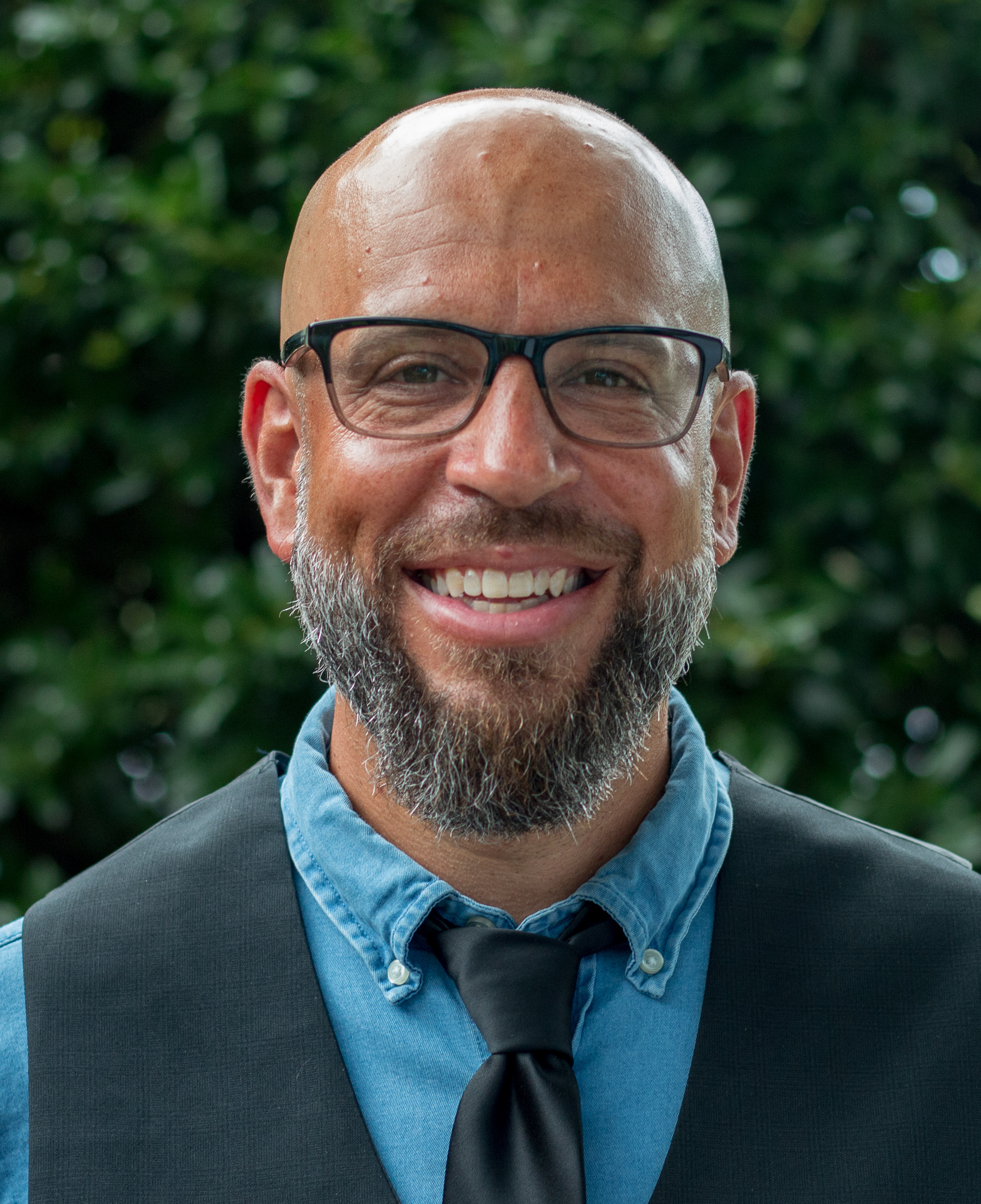 headshot of pastor/author Tony Merida