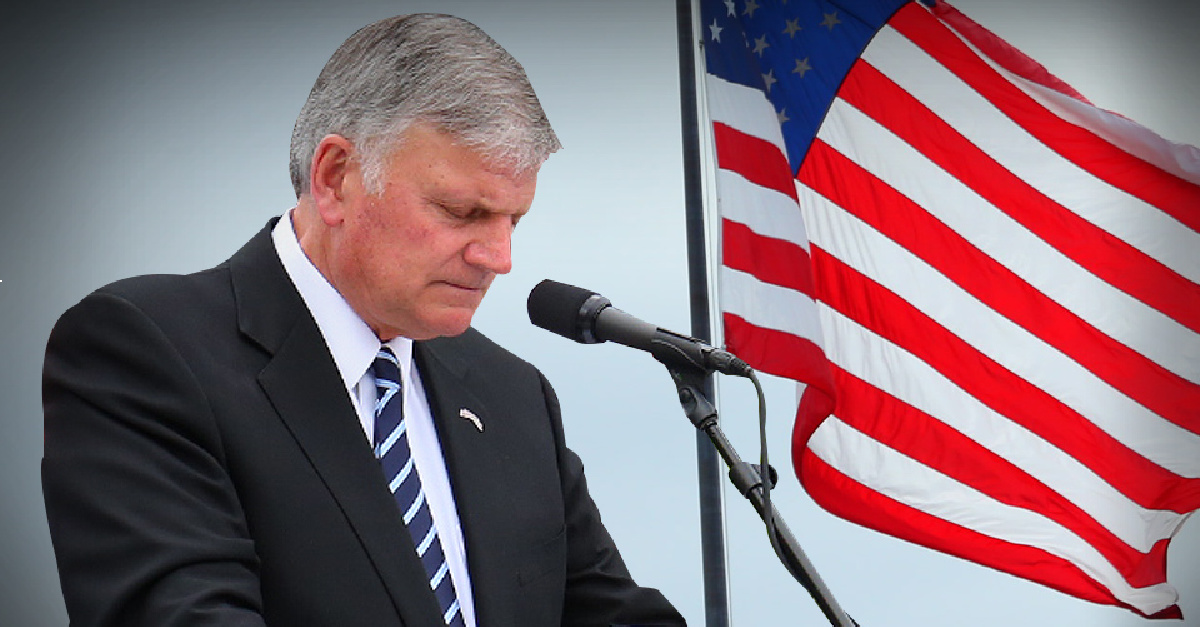 America Is 'Crumbling,' Only God Can Fix It, Franklin Graham Says