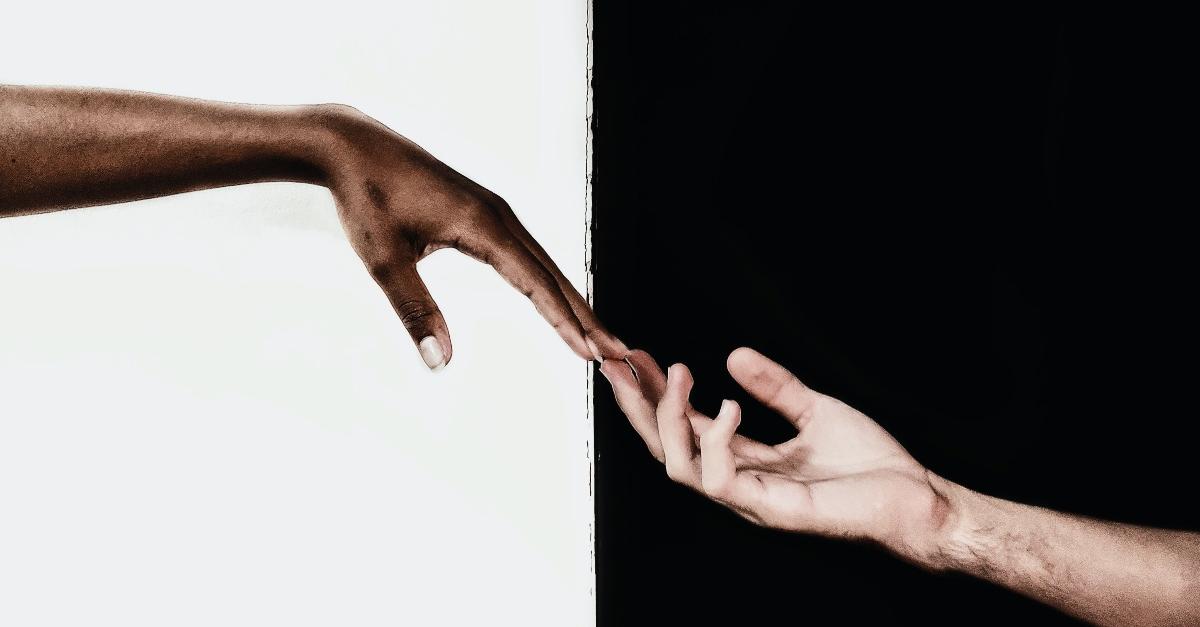 11 versículos sobre el racismo y los prejuicios para enseñarnos el amor verdadero