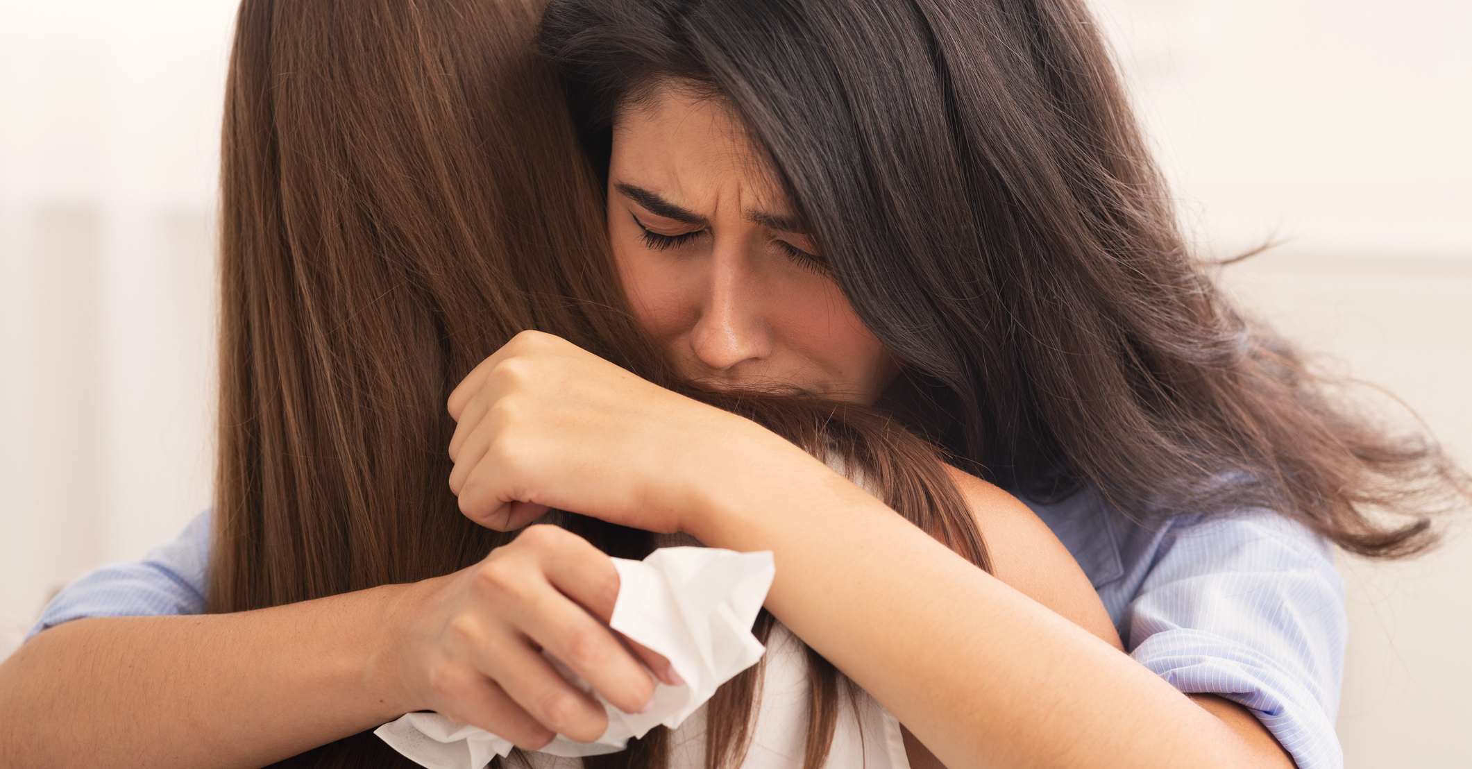 10 Ways to Show a Suffering Friend You're There for Them