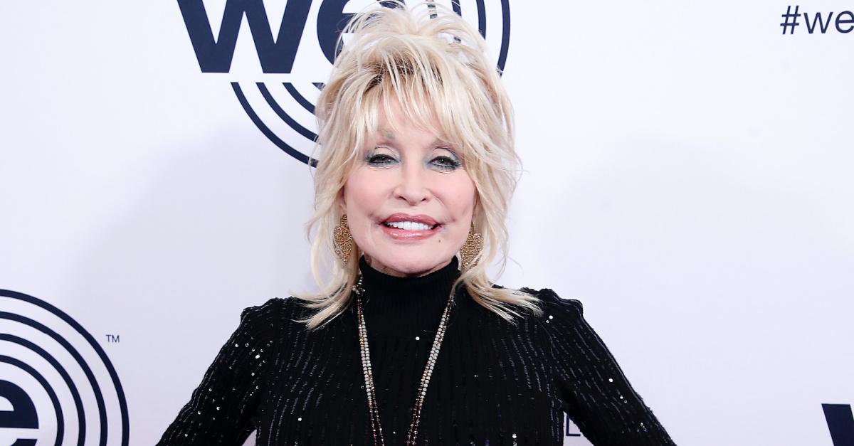 Dolly Parton Wins MovieGuide's Grace Award