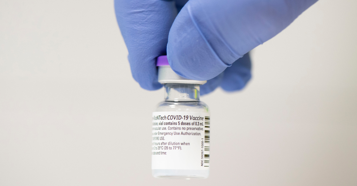 The official COVID-19 vaccine, A 90-year-old woman becomes the first to be vaccinated for COVID-19