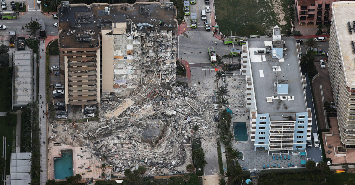 At Least 4 Dead, 160 Missing after Residential Building Collapses in Florida