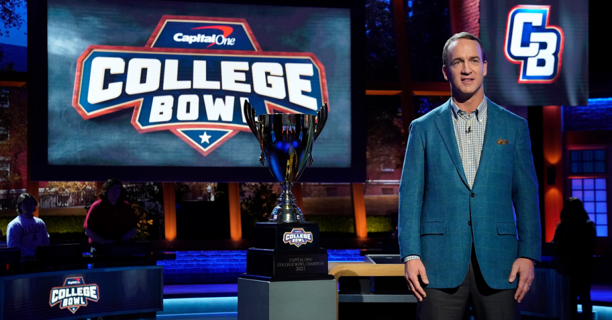 Payton Manning hosting the Capital One College Bowl, Capital One College Bowl
