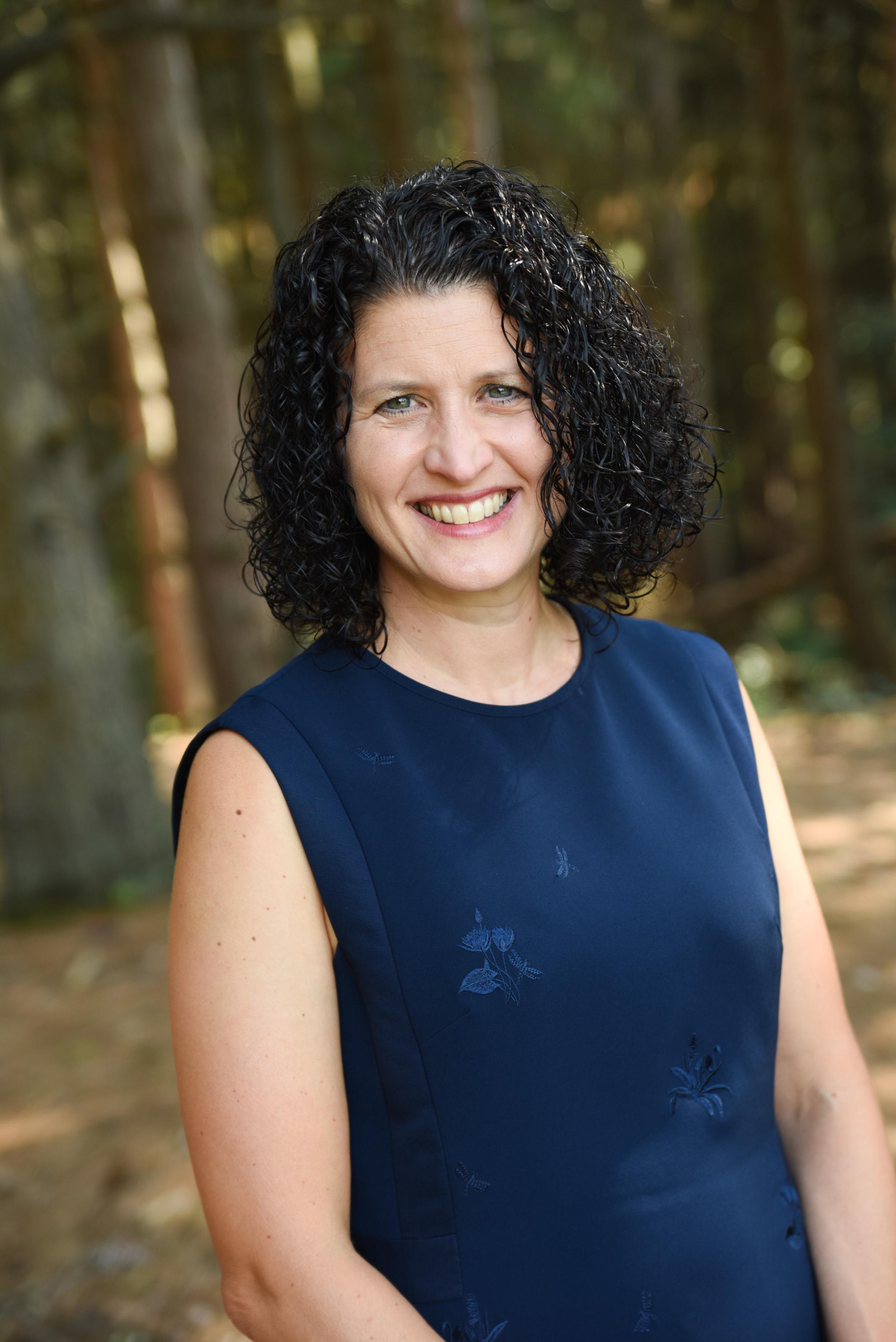 lisa samra headshot author