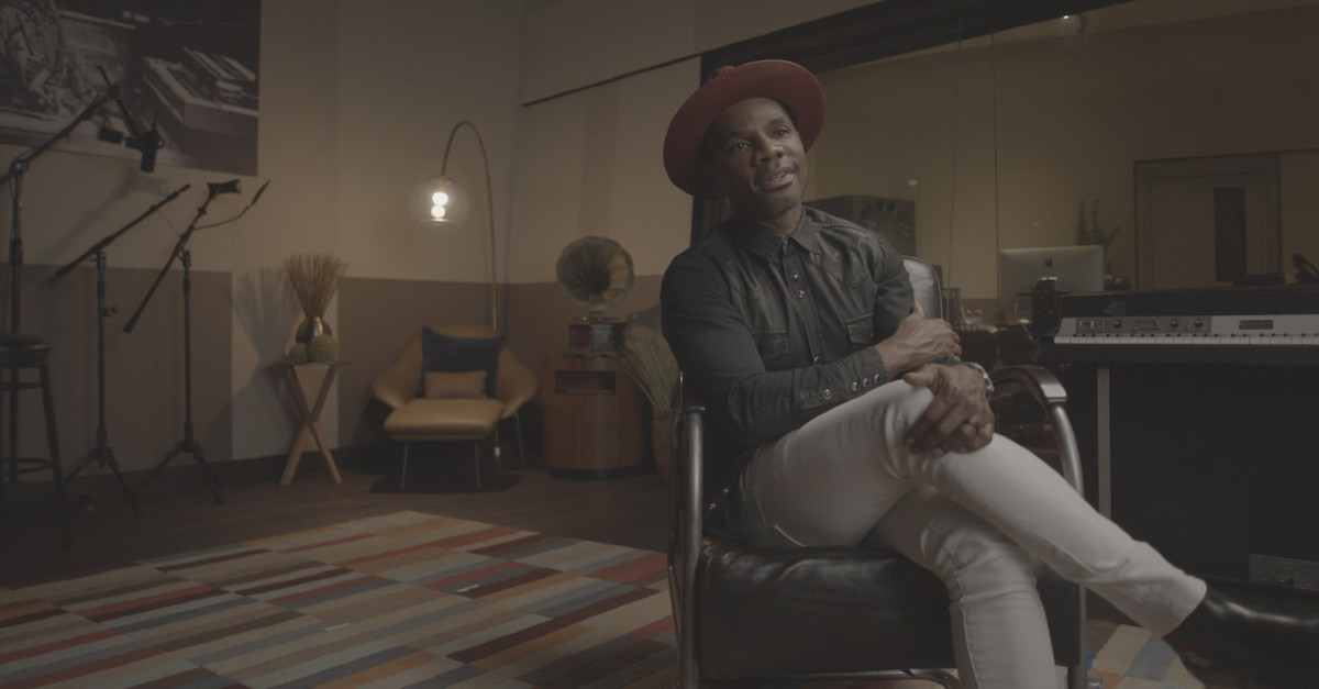 Interview photo with Christian music artist Kirk Franklin