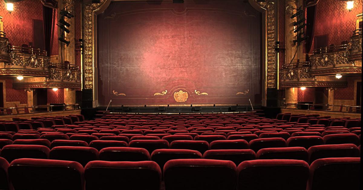 Critics Give Rave Reviews to Off-Broadway Play <em>The Gospel of John</em>